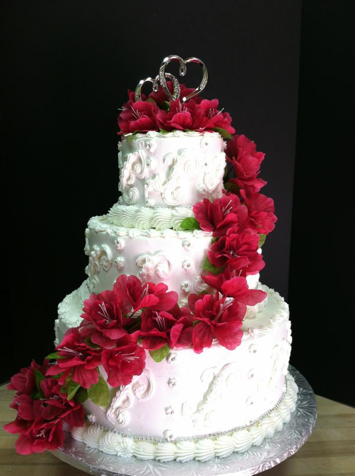 Wedding cakes jb bakery we follow the latest trends and styles to incorporate them into our cakes you can also choose from a variety of cake flavors junglespirit Gallery